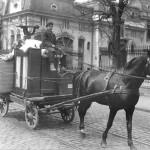 06 chirias cautandu si alta casa2 150x150 Galerie foto Bucurestiul vechi: Din societate