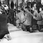33 slujba la inchisoarea vacaresti1 150x150 Galerie foto Bucurestiul vechi: Din societate