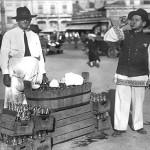 72 vanzator de limonada rece1 150x150 Galerie foto Bucurestiul vechi: Din societate